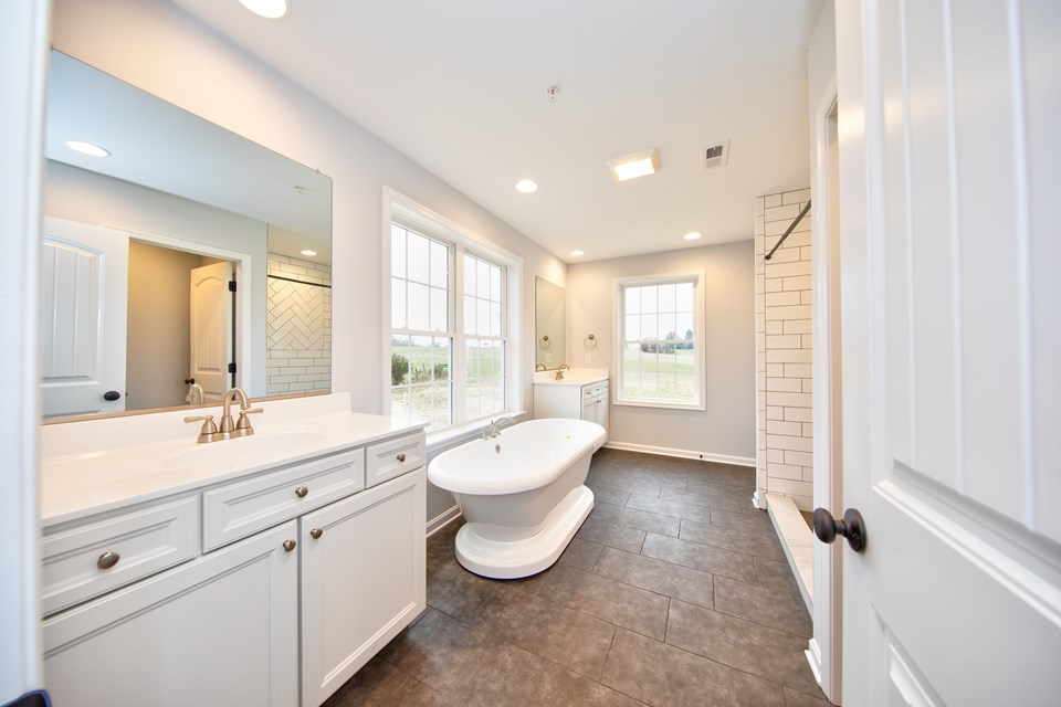luxury owners bath with sep shower & soaking tub