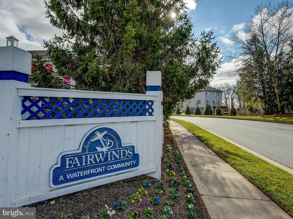 welcome to the water oriented community of fairwinds